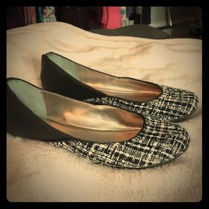 NWOT-Kenneth Cole Reaction flats-NEVER WORN